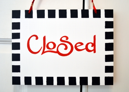 Gallery sign CLOSED  finished