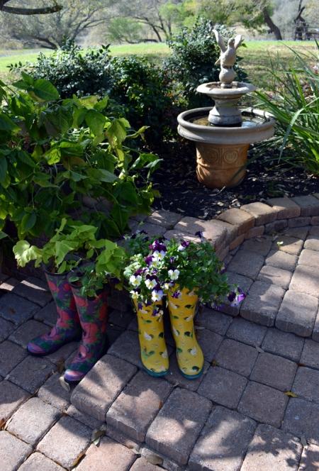 2013-3-20 garden boot planters