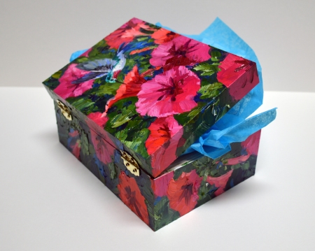 SH6914 Box Soft Hum of Spring Open C