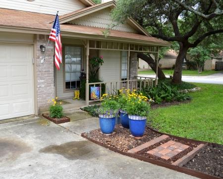 2015-5-25 Driveway planter 1
