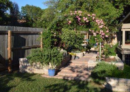 2016-4-14 Rose Arbor Fountain Courtyard 2