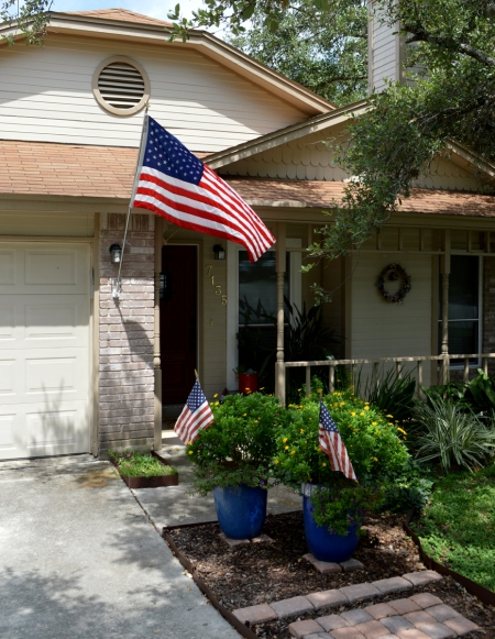 2016-7-4 Front entry with flags